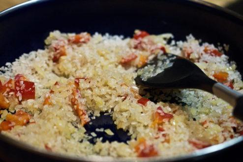 Den Reis schön anbraten